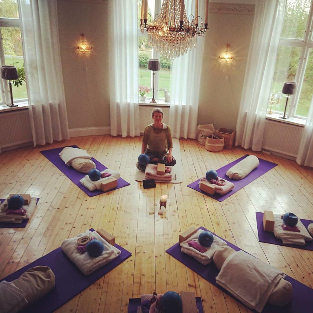 levande föda yoga